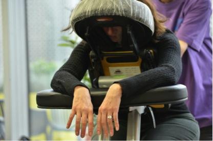 Massage lors d'un team building autour des 5 sens