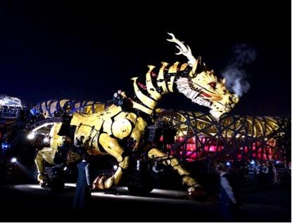 """Spectacle """"L'esprit du Cheval-Dragon"""" présenté à Pékin en octobre 2014"""