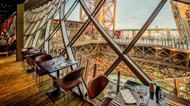58-tour-eiffel-vue-du-restaurant-cote-champ-de-mars-photopointcom-16713