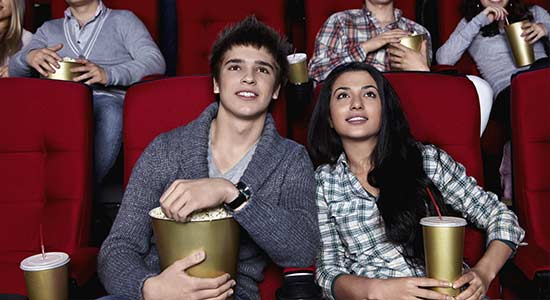 cinema-couple-rendez-vous-sortie