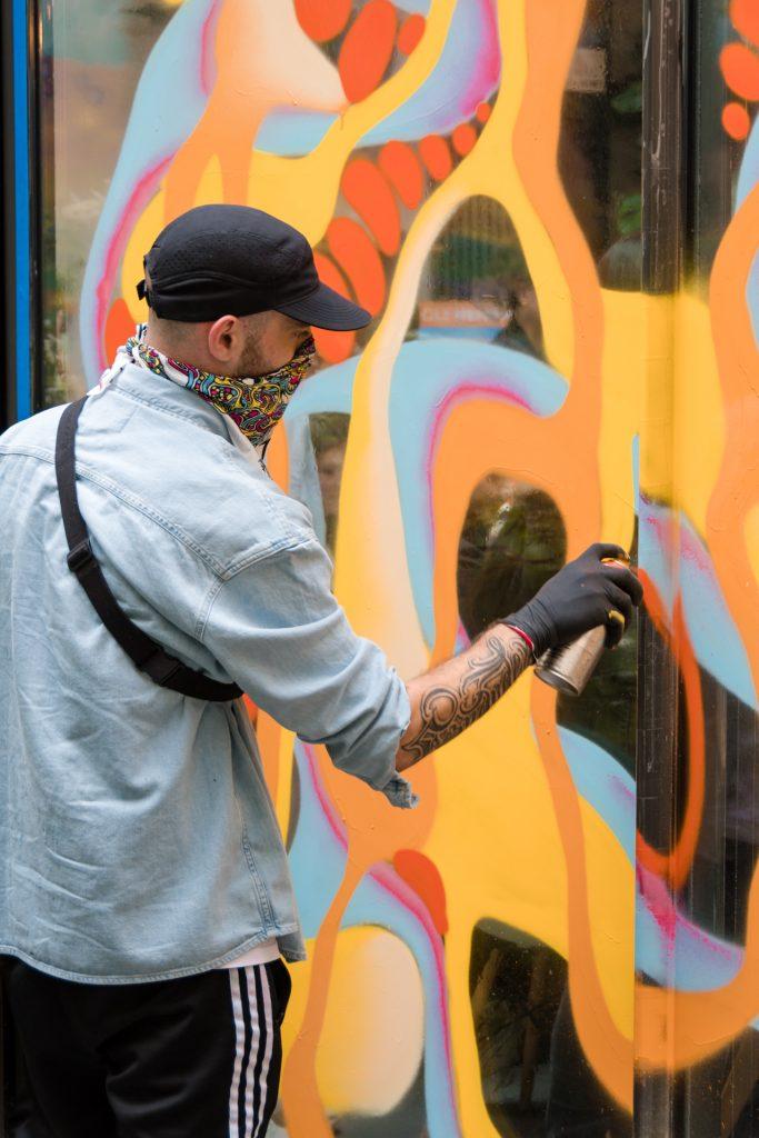 Street Artiste Bebar pour des événements physiques